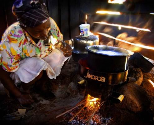 Améliorer la cuisson et purifier l'eau au Kenya